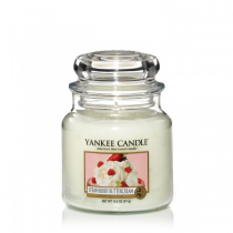 Yankee Candle strawberry buttercream giara media