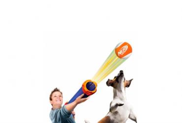 Divertiti con il tuo cane con il lanciapalle tennis Nerf Dog